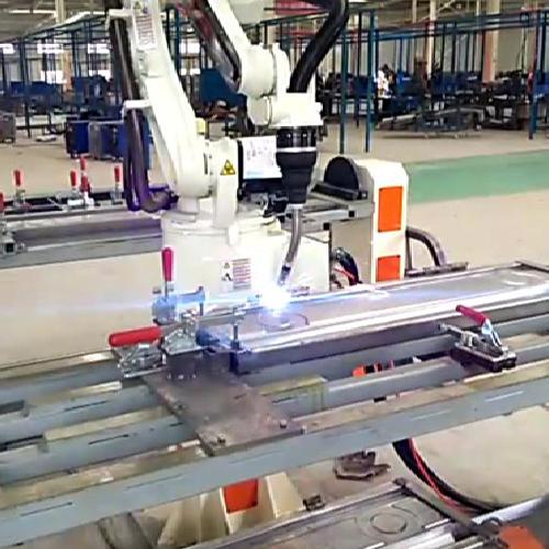 苏州智殷电动车钣金弧焊机器人案例